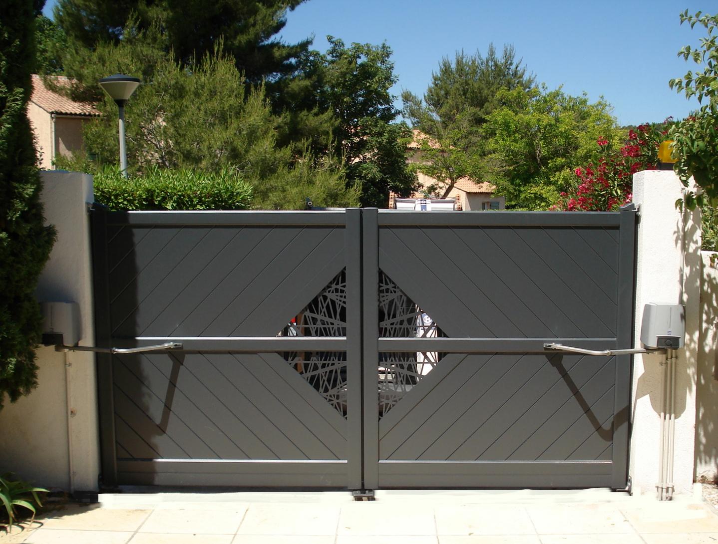 motorisation portail electricien lyon. Black Bedroom Furniture Sets. Home Design Ideas